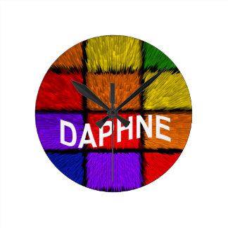 DAPHNE ROUND CLOCK