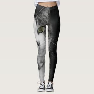 Dare To Look Into My Green Eyes Leggings