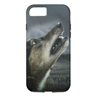Dark Dog Howling in Moonlight iPhone 8/7 Case