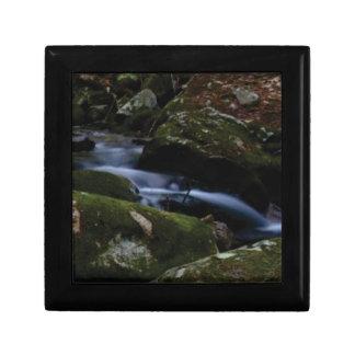 dark green stream gift box