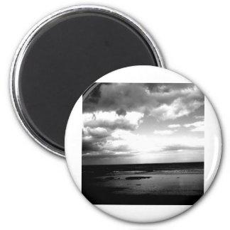 Dark Shore 6 Cm Round Magnet