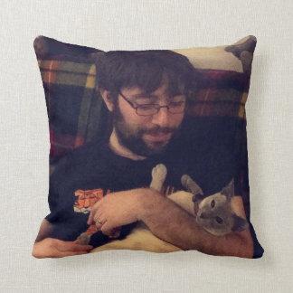 Darwin Pillow