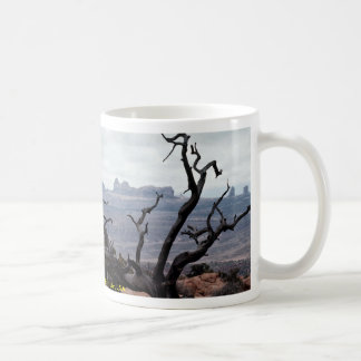 Dead tree, Arches National Park, Utah, U.S.A. Mugs