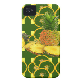 DECORATIVE GREEN-YELLOW GEOMETRIC PINEAPPLE iPhone 4 Case-Mate CASE