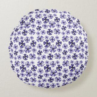 Deep Lavender Lucky Shamrock Clover Round Cushion