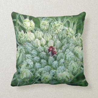 Dekokissen green-white game blooms throw pillows
