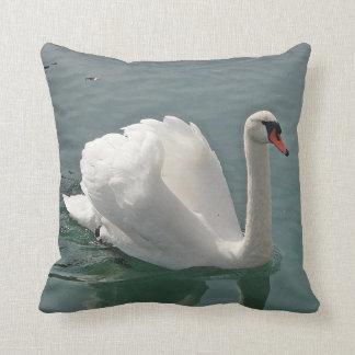 Dekokissen white swan cushion