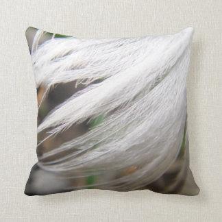 Dekokissen white swan feather throw pillow
