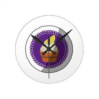 Delicious cup cake round clock
