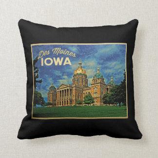 Des Moines Iowa Throw Pillow