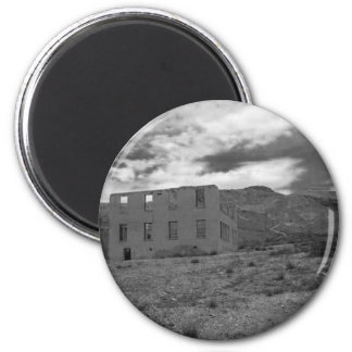 Deserted Building Photography 6 Cm Round Magnet