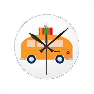 Design bus gold round clock