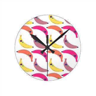 Design exotic bananas on white round clock