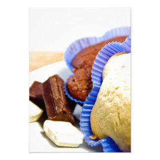 Dessert cupcake with chocolat anuncio personalizado