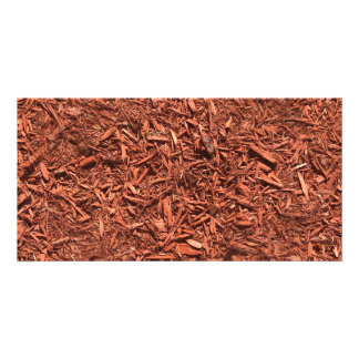 detail image of red cedar mulch for gardener card