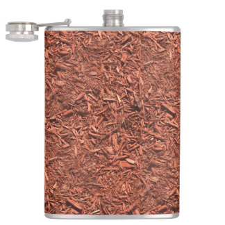 detail image of red cedar mulch for gardener hip flask
