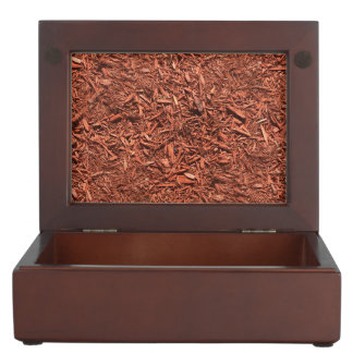 detail image of red cedar mulch for gardener keepsake box