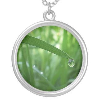 dew drop round pendant necklace