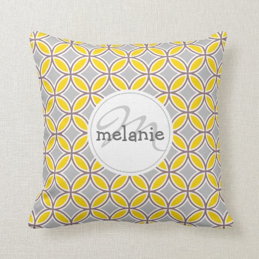 Diamon leaves gold and gray pillow