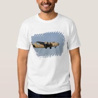 Diamond Lil B-24 Bomber, landing at Oshkosh, T Shirts