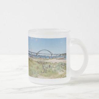 Diesel ICE on the Fehmarnsundbrücke Frosted Glass Coffee Mug