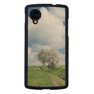 Dirt Road and Apple Trees Carved® Maple Nexus 5 Slim Case