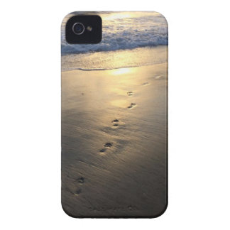 Disappearing Footprints iPhone 4 Cover