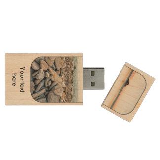 Distant island wood USB 3.0 flash drive