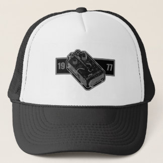 Distortion Pedal Black & White 1977 Trucker Hat