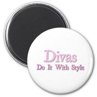 Divas Do It With Style 6 Cm Round Magnet