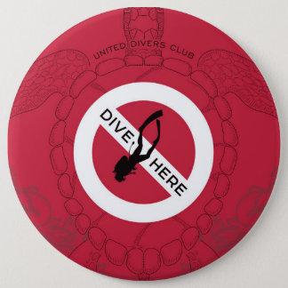 Dive Here 6 Cm Round Badge