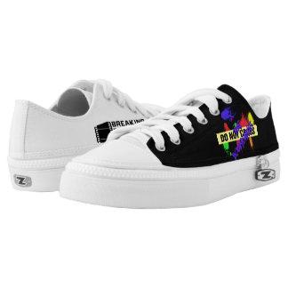 Do Not Cross/XtheBoundaries Unisex Low Top Shoes