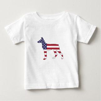 """doberman pinscher """"american flag"""" baby T-Shirt"""