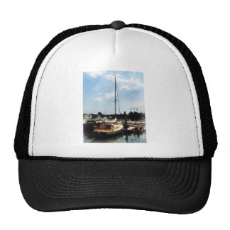 Docked Cabin Cruiser Mesh Hat