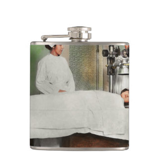 Doctor - Xray - Getting my head examined 1920 Hip Flask