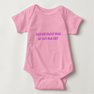 DoES tHiS dIaPeR MaKE mY BuTt lOoK BiG? T-shirt
