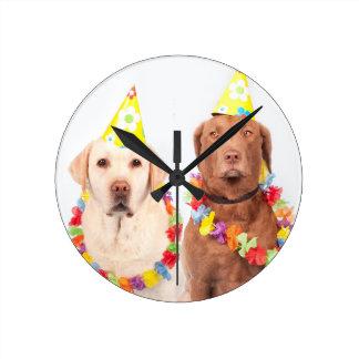 dogs round clock