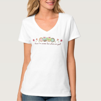 Doodles cookies cupcakes flowers bakery sweets T-Shirt