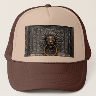 Doorknocker Lion - Black / Gold Trucker Hat