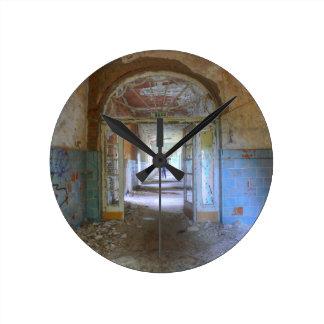 Doors and Corridors 03.0, Lost Places, Beelitz Round Clock