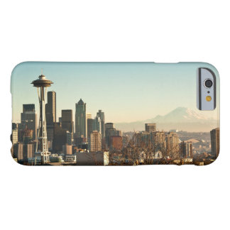 Downtown Seattle skyline and Space Needle Barely There iPhone 6 Case