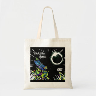 Dragonfly Observing the Total Solar Eclipse 2017 Tote Bag