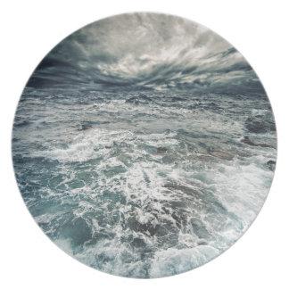 Dramatic Seas Plate