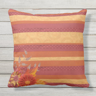 DRIED FLOWERS AND CLASSIC STRIPES Throw Cushion