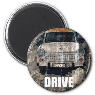Drive Safe Retro Car 6 Cm Round Magnet