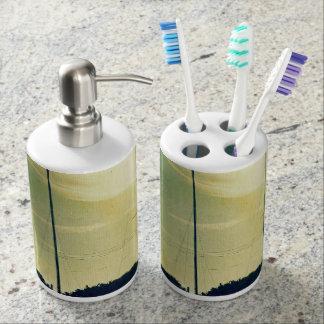 Dual Sails Toothbrush Holder