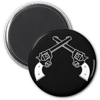 Duel Pistols 6 Cm Round Magnet