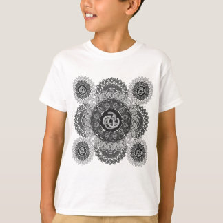 e-a-letter-circle-pattern-black-white T-Shirt