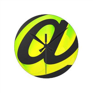 E-mail icon round clock