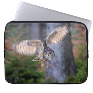 Eagle Owl Hunting Laptop Sleeve